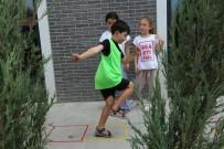 Serdivan'da Minikler Geleneksel Sokak Oyunlarının Tadını Çıkarıyor