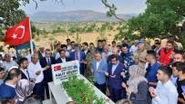 DİYARBAKIR VALİSİ - Vali Güzeloğlu, 15 Temmuz Şehitlerinin Kabirlerini Ziyaret Etti