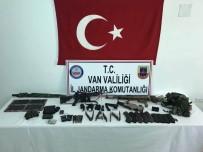 UZMAN JANDARMA - Van'da 1 Terörist Sağ Olarak Yakalandı