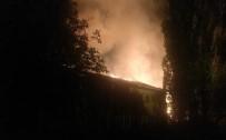 Ankara'da Yangında İki Bina Hasar Gördü