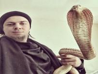 AMBULANS UÇAK - Aref'i Yılanı Isırdı Açıklaması Hayati Riski Var