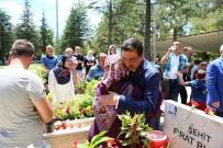 GENELKURMAY - Başkan Ak'tan 15 Temmuz Şehitlerine Kabir Ziyareti