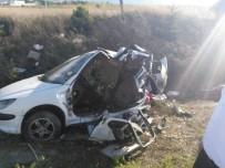 ESKİŞEHİR - Eskişehir'de Trafik Kazası; 11 Yaralı