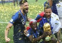 MANCHESTER - Mendy'den 9 Maçta Dünya Kupası Ve Premier Lig Şampiyonluğu
