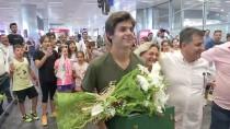 TENİS TURNUVASI - Şampiyon Türk Tenisçiye, Coşkulu Karşılama