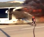 YOLCU OTOBÜSÜ - Seyir Halindeki Yolcu Otobüsü Alev Alev Yandı