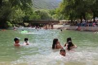 MUNZUR - Tunceli'nin Plajları Sahilleri Aratmıyor