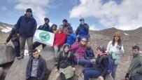 GÖLLER - 20 Dağcı, 4 Bin 58 Rakımlı Süphan Dağı'na Tırmandı