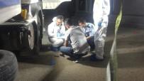 ALKOLLÜ SÜRÜCÜ - Alkollü Sürücü Yakalanacağını Anlayınca, Polislerin Yanında Kafasına Sıktı