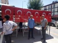 HAMDOLSUN - Ankaralı Hırdavatçı Seçimleri Erdoğan Kazanınca 'Şükür Döneri' Dağıttı