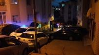 GÜVENLİK ÖNLEMİ - Beyoğlu'nda Otopark Kavgası Açıklaması 1 Polis Yaralı