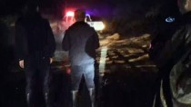 KURTARMA EKİBİ - Çin'de Heyelanda Mahsur Kalan 21 Kişi Kurtarıldı