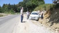Direksiyon Hakimiyetini Kaybeden Sürücü Şarampole Yuvarlandı Açıklaması 2 Yaralı