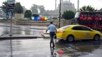 ŞİDDETLİ YAĞIŞ - Edirne'de Şiddetli Yağış Ve Fırtına
