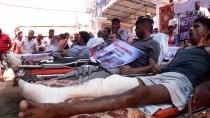 Gazzeli Hastaların Ve Sağlık Çalışanlarının 'Sedyeli' Abluka Eylemi