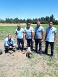 YAVRU KÖPEK - Günyüzü'nde Su Kuyusuna Düşen Yavru Köpeği İtfaiye Ekipleri Kurtardı