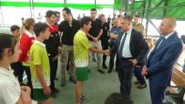 HAKKARİ VALİSİ - Hakkari'de 250 Sporcuya Malzemesi Desteği