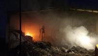 FABRIKA - İplik Fabrikasının Deposunda Yangın Çıktı