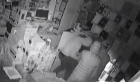 TAHTAKALE - Kasa Hırsızları Önce Kameraya Sonra Polise Yakalandı