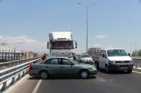 KÖPRÜLÜ - Manavgat'ta Köprülü Kavşakta Kaza