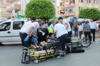 MOTOSİKLET SÜRÜCÜSÜ - Manavgat'ta Trafik Kazası Açıklaması 2 Yaralı