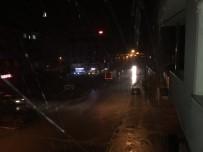 HAVA SICAKLIĞI - Muradiye'de Serinleten Yağmur