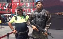 ANMA ETKİNLİĞİ - (ÖZEL) Taksim Meydanı'nda Duygulandıran Anlar