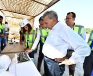 İŞ MAKİNESİ - Başkan Çizmeleri Giydi, İzmir'in En Uzun Tünelini İnceledi