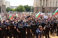 PROTESTO - Bulgaristan'da Besiciler Zorla Bakanlar Kurulu Binasına Girmek İstedi