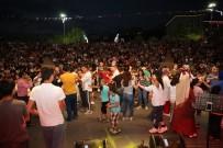 DERNEK BAŞKANI - Darıca'da Samsunlular Sahne Aldı
