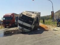 SOMA - Domates Yüklü Kamyon Kırmızı Işıkta Bekleyen Araçlara Çarptı Açıklaması 4 Yaralı