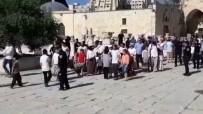 Fanatik Yahudilerden Mescid-İ Aksa'ya Baskın