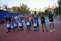 YUNUSEMRE - Geleceğin Tenisçileri Yunusemre'de Yetişiyor
