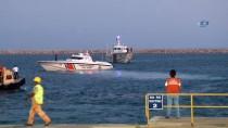 MÜLTECI - Kurtarılan Mülteciler Seka Limanı'na Getirildi