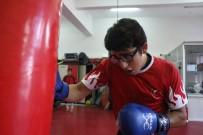 MİYOP - Rakiplerinin Gözlük Taktığı İçin Dalga Geçtiği Mizan, 2 Yıldır Yenilmiyor