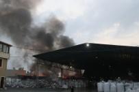 FABRIKA - Plastik Geri Dönüşüm Fabrikasında Dev Yangın