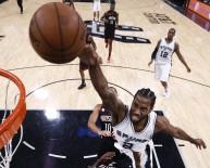 SAN ANTONİO SPURS - Toronto Raptors'a Takas Edildi