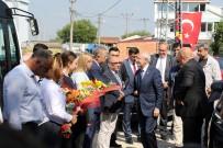 YOLCU TRENİ - Tren Faciasında Ölenlerin Ailelerini Ziyaret Etti