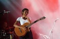 BASIN MENSUPLARI - Yeni Nesil Star Ayo Bursa'da Konser Verdi
