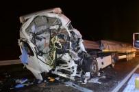 Aksaray'da 3 Tırın Karıştığı Kazada Ağır Yaralanan Şoför Hayatını Kaybetti