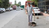 MİNİBÜSÇÜ - Belediye Temizlik İşçisinden Örnek Davranış