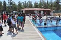 Buldan'da Çocuklar Yüzme Öğreniyor