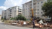 YUNUSEMRE - Bursa'da Trafik Akışını Olumsuz Etkileyen Binalar Yıkılıyor