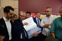 MUHALİFLER - CHP'li Yaşar Tüzün Açıklaması 'Yarın Gerekli İmzanın Toplanacağına İnanıyoruz'