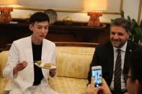 ŞARKICI - Çinli Şarkıcı 'Türkiye Fahri Turizm Elçisi' Oldu