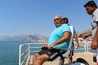 ANTALYA - Engelli Bireyler Denizin Tadını Çıkarıyor