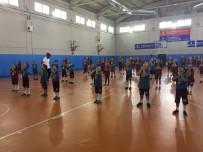 17 AĞUSTOS - İBB 8 Bin 200 Çocuğa Ücretsiz Spor Eğitimi Veriyor