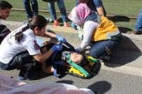 MUAMMER AKSOY - Kadın Sürücü Kadına Çarptı