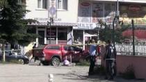 GÜVENLİK ÖNLEMİ - Kars'ta Silahlı Kavga Açıklaması 1 Ölü, 2 Yaralı