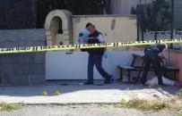 HÜKÜMET KONAĞI - Kars'ta Silahlı Kavga Açıklaması 1 Ölü, 3 Yaralı